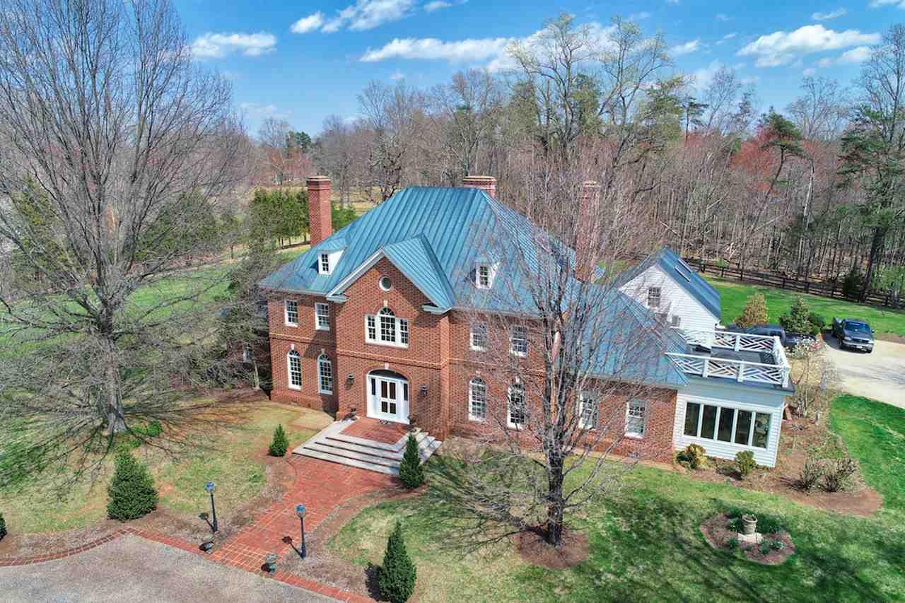CHARLOTTESVILLE                                                                      , VA - $1,975,000