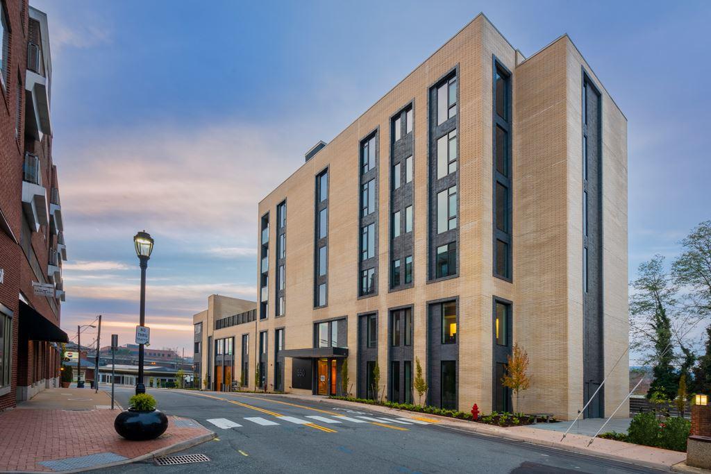 CHARLOTTESVILLE                                                                      , VA - $1,899,000